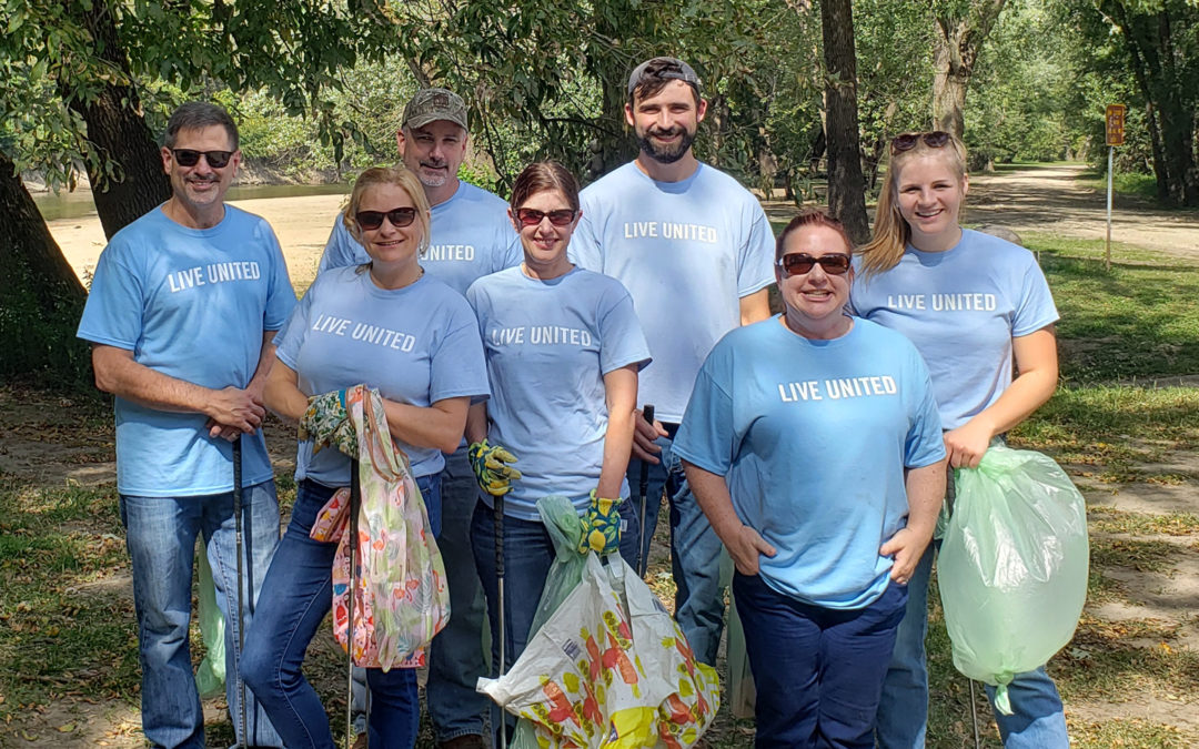 Team CMT Volunteers for Day of Action at Riverside Park